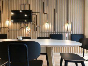 Photo de l'espace de travail chez Code Café