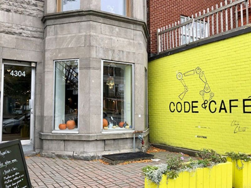 Photo of Code & Cafe coding for family